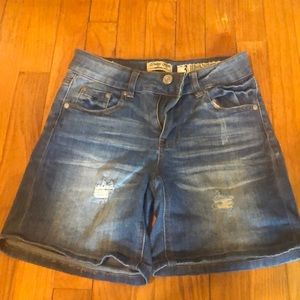 Light blue Bermuda Jena shorts